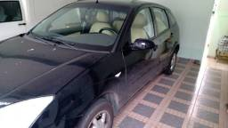 Ford Focus Hatch completo