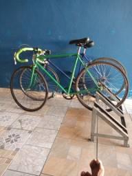 2 bike 1 Caloi outra Monark reformadas. 2000 reais nas duas
