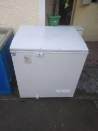 Freezer Eletrolux H210 litros semi novo 1100 reais