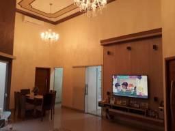 Vendo casa de padrão no Vila Real!!