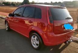 Fiesta 1.6 completo vermelho