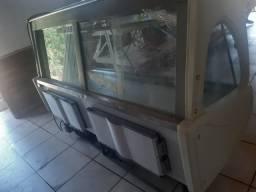 Vendo balcão refrigerado muito bom interessado chama no Zapp ou ligar *