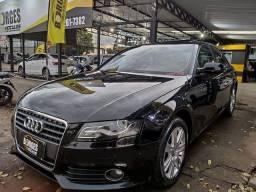 Audi A4 com teto solar interior caramelo