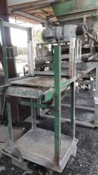 Máquina fabricar blocos de concreto