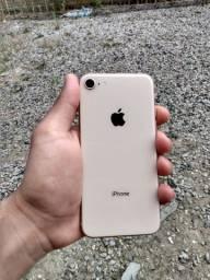 Vendo ou troco iphone 8 LEIA