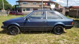 Ford/Escort L. 1.6 ano 1986