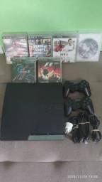 Vendo PlayStation 3 usado com dois controles e seis jogos