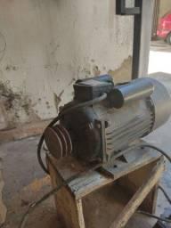 Motor monofásico V8 3400 rpm