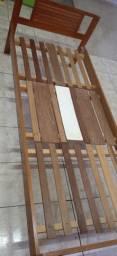 Vendo Cama solteiro de madeira