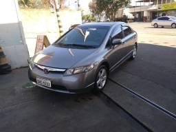 Honda Civic automático baixo km