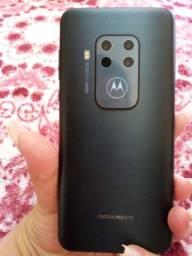 Motorola one zoom praticamente novo..