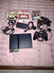 Um Playstation 2 desbloqueado tudo funcionando perfeitamente