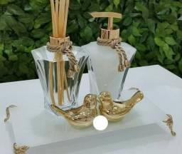 Kit banheiro branco e dourado