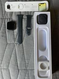 Título do anúncio: Apple Watch 4, 44 mm( pouco uso )