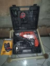Furadeira com maleta e ferramentas