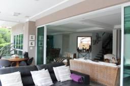 Título do anúncio: Casa de condomínio para venda possui 382 metros quadrados com 4 quartos em Camboinhas - Ni