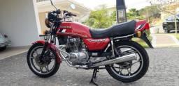 Título do anúncio: Moto Honda CB 400 vermelha 1982 japonesa impecável, de coleção