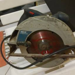 Serra circular Bosch profissional.