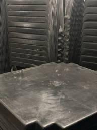 Título do anúncio: Preço de Revenda Mesa plástica cor preta nova