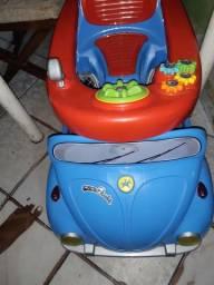 Carrinho toca musica pedala e empurra