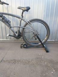 Suporte de treino pra bike.