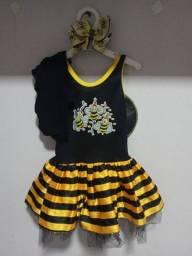 Título do anúncio: Fantasia e vestido abelhinha!