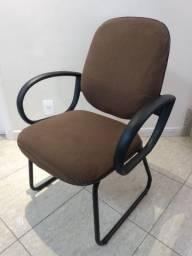 Título do anúncio: Cadeira com apoio de braços bem confortável