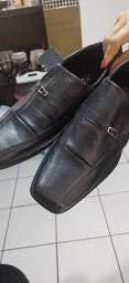 Título do anúncio: Sapato masculino com pouquíssimo uso.