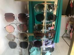 Óculos de sol feminino .
