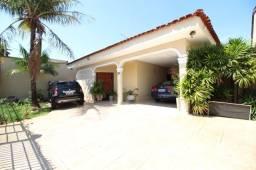 Título do anúncio: Casa 4/4, sendo 1 Suíte - Jardim América - Residencial/Comercial