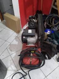 Compressor semi novo Schutz 100L 220v