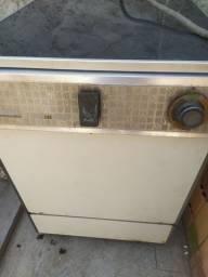 Título do anúncio: Pra rolo.maquina de lava louça funcionando perfeita mente água quente e água fria