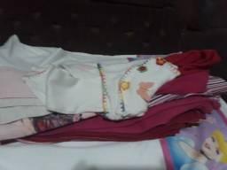 Lote de roupa de frio menina tamanho 4 anos