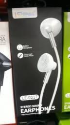 Fone de ouvido com microfone