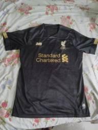 Título do anúncio: Camisa goleiro tamanho M Liverpool  temporada 2020/2021