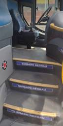 Ônibus , vendo ou troco
