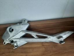 Suporte pedal apoio ESQ cb 250 twister