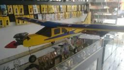 Aeromodelo alpa trainer