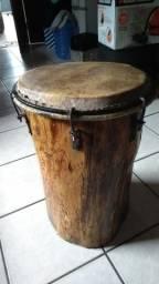 Curimbó de tronco de árvore