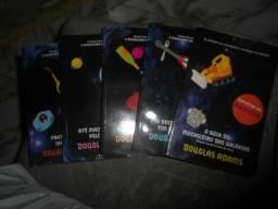 Livros O Guia do Mochileiro Das Galáxias