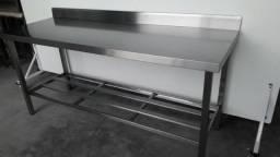 Mesa inox com prateleira de apoio e espelho de parede - Novo