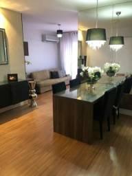 Apartamento na Ponta Verde, 3 quartos, 1 suíte, varanda, 2 vagas de garagem. Maceió AL