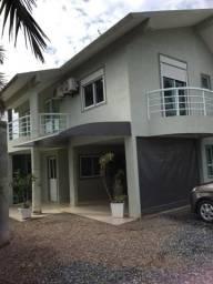 Casa ampla para 10 pessoas