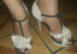 Vendo ou troco por sapatênis  sandália da vizzano n:35 36