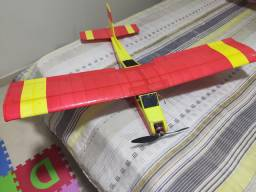 Aeromodelo telemaster em depron com eletrônica e motor