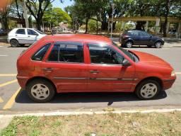 Volkswagen Gol 1.0 Vermelho 2002/03 Gasolina 4 portas