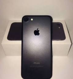 iPhone 7 na caixa semi novo