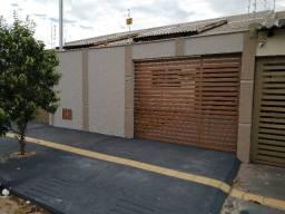Casa 3 quartos, Residencial Itaipu. sendo 1 suíte. (nova)