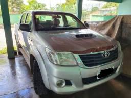 Caminhonete Toyota Hilux - 2015