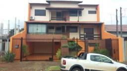 Casa sobrado com 5 quartos - Bairro Aeroporto em Londrina